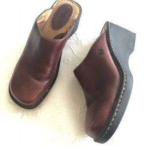 Born Sleek Brown Comfortable Clogs
